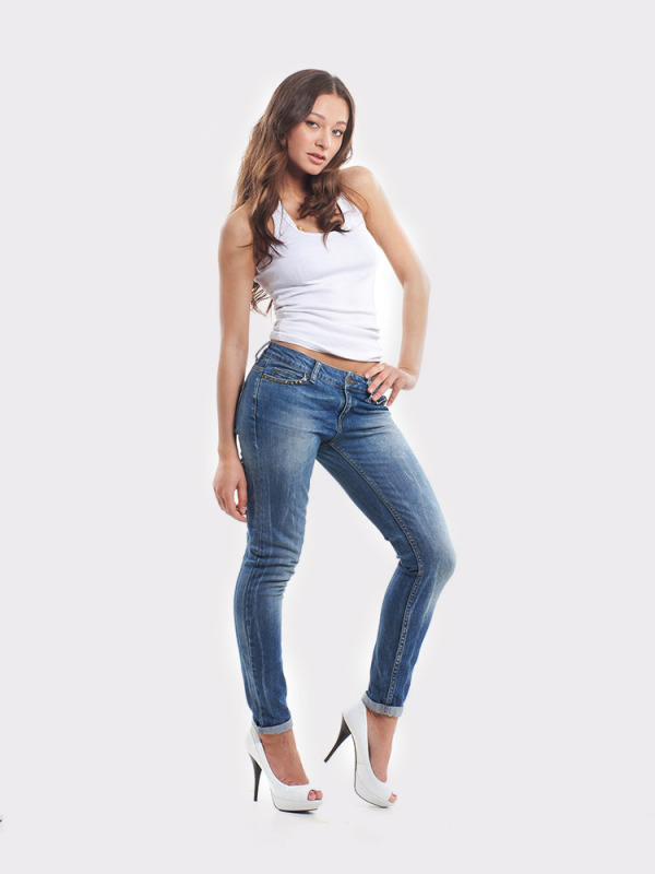 jeans_white_heels2