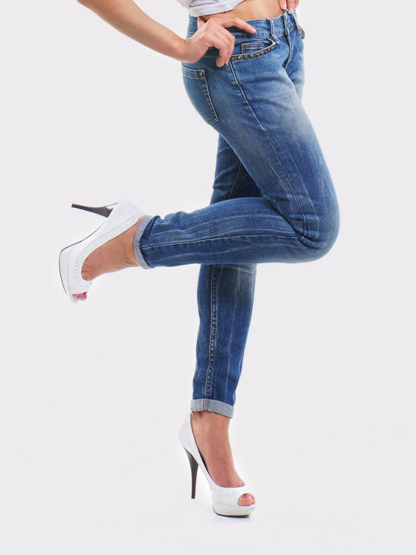 jeans_white_heels7